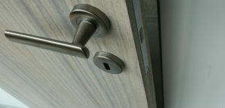 Drzwi bez ościeżnicy